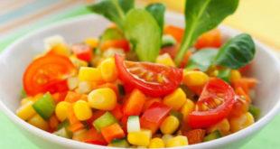 Cách giảm cân đón Tết với 4 món salad dễ làm