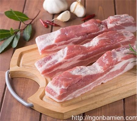 Tuyệt chiêu làm món thịt lợn rán mật ong thơm phức cho bữa cơm tối - Ảnh 1